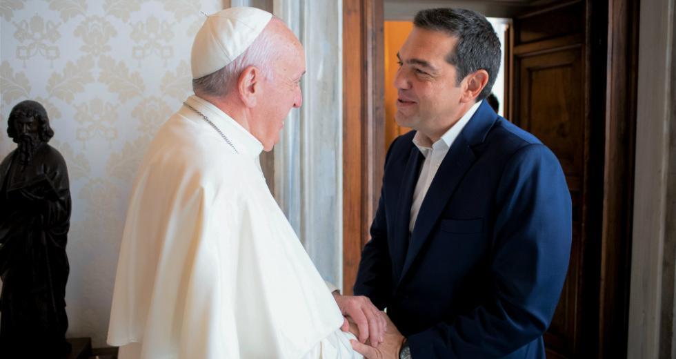 Η αφιέρωση και το μήνυμα του Πάπα στον Αλέξη Τσίπρα