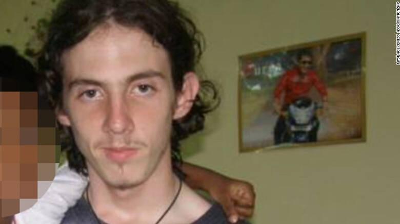 Μαχαίρωσαν μέχρι θανάτου διαβόητο παιδεραστή μέσα στο κελί του