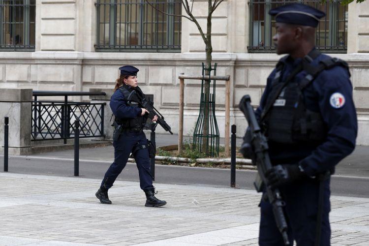«Στιγμή παράνοιας» στο Παρίσι – Αστυνομικός σκότωσε συναδέλφους