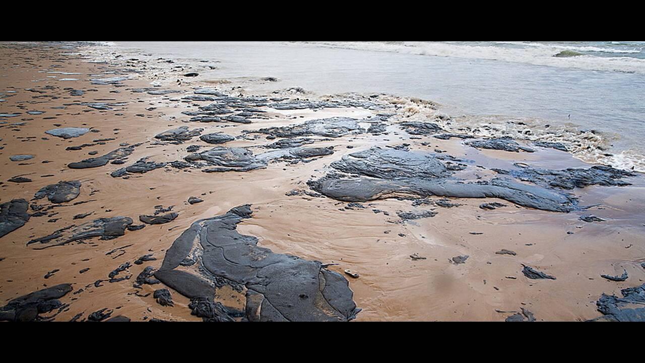 Βραζιλία: Άλυτο το μυστήριο των πετρελαιοκηλίδων στις βορειοανατολικές ακτές