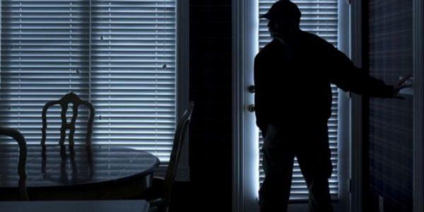 Λήστεψαν 63χρονη στο Πασακάκι! Μπούκαραν στο σπίτι της μέρα μεσημέρι κι έφυγαν σαν κύριοι…