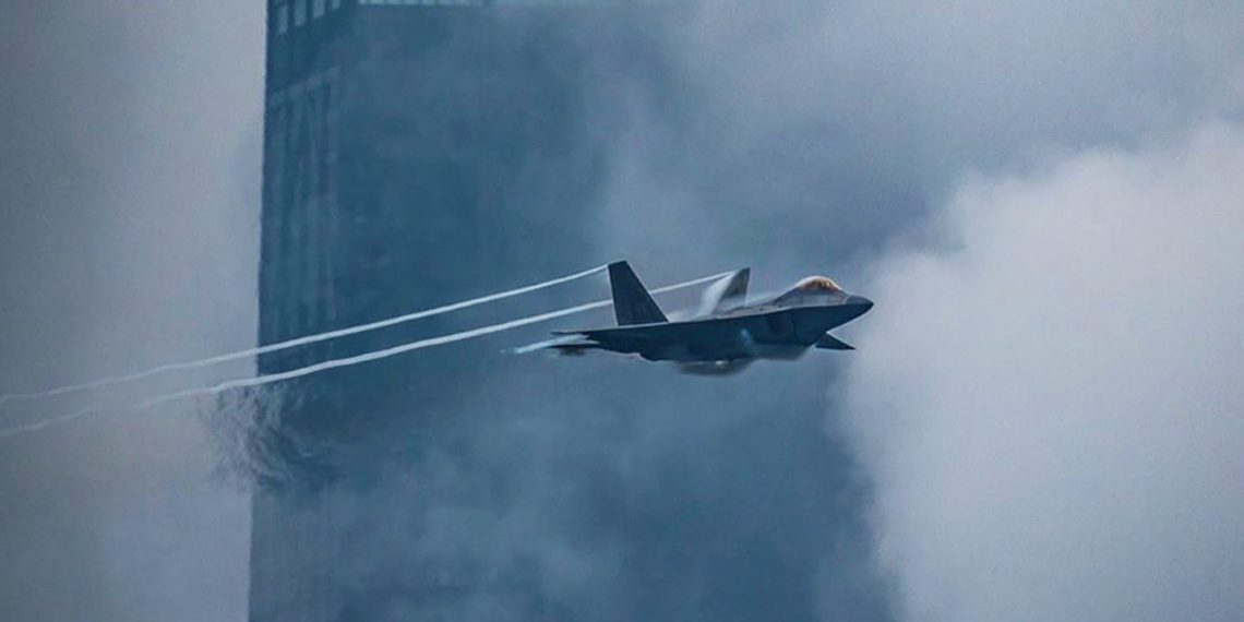 F-22: «Scramble» του μαχητικού μετά από επίθεση χημικών-βιολογικών όπλων [vid]