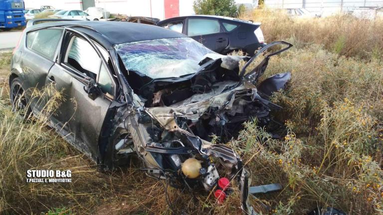 """Άργος: Σοκαριστικό τροχαίο! Δύο νεαροί νεκροί – Έγινε """"λιώμα"""" το αυτοκίνητο – video"""