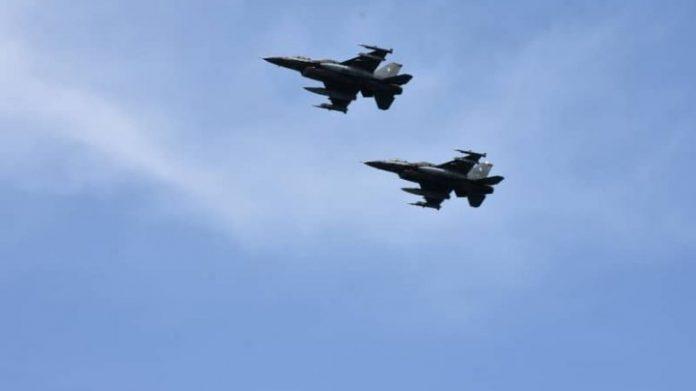 """Οι «Αλεπούδες» σηκώθηκαν από την Σούδα, """"βομβάρδιζαν"""" στην Κύπρο και οι «Τίγρεις» της 335 αναχαίτιζαν στο Αιγαίο"""