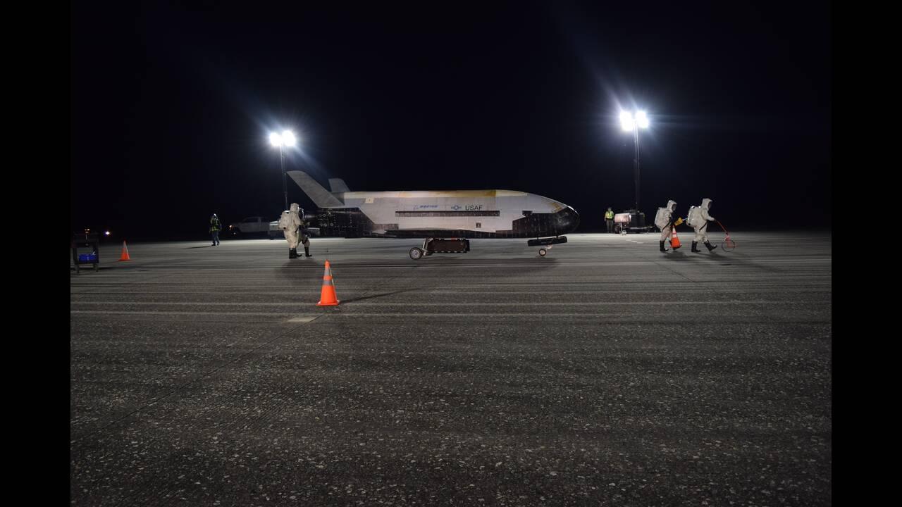 Επιστροφή στη Γη μετά από 780 ημέρες: Το μυστηριώδες διαστημόπλοιο της Πολεμικής Αεροπορίας των ΗΠΑ