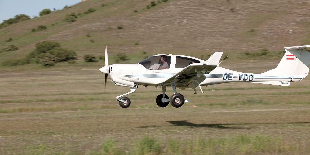 Aναγκαστική προσγείωση διθέσιου εκπαιδευτικού αεροσκάφους στη Μυτιλήνη