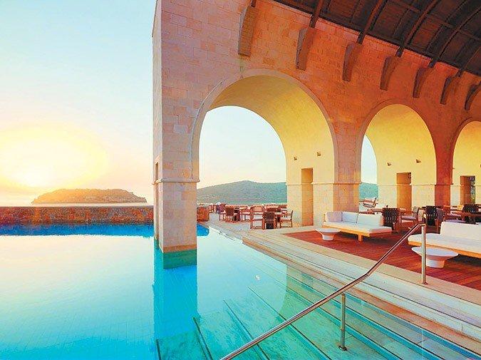 Ξεμπλοκάρουν δύο μεγάλες τουριστικές επενδύσεις στη Κρήτη