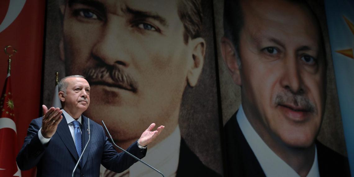 Συνέντευξη: «Ο Ερντογάν με την εισβολή διεκδικεί ηγετικό ρόλο στη Μέση Ανατολή»