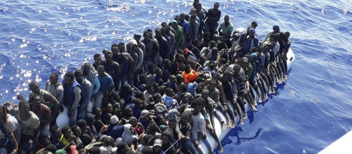 «Πάρτι» στο Αιγαίο από τους παράνομους μετανάστες: Κύματα Κονγκολέζων, Σομαλών, Αφγανών αποβιβάζονται κατά εκατοντάδες!