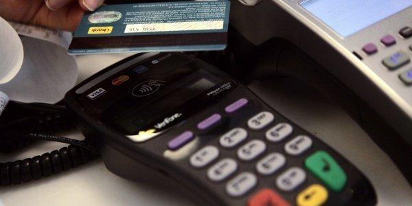 Ηλεκτρονικές πληρωμές: Στο 30% υποχρεωτικά για όλους