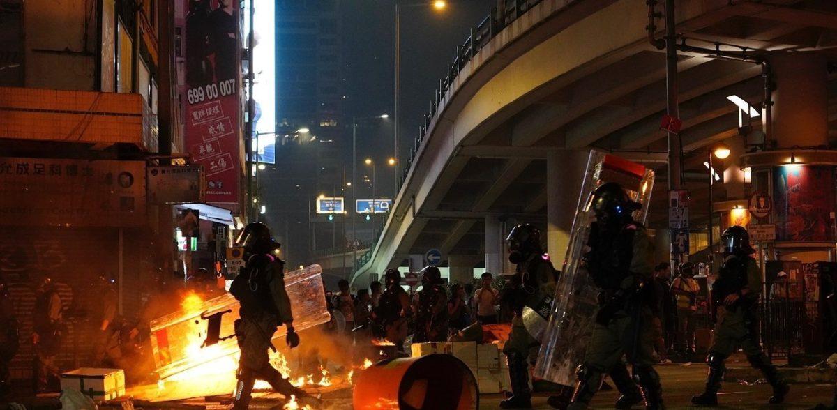 Λαοί του κόσμου εξεγείρονται – Ταυτόχρονες διαδηλώσεις σε πολλές χώρες
