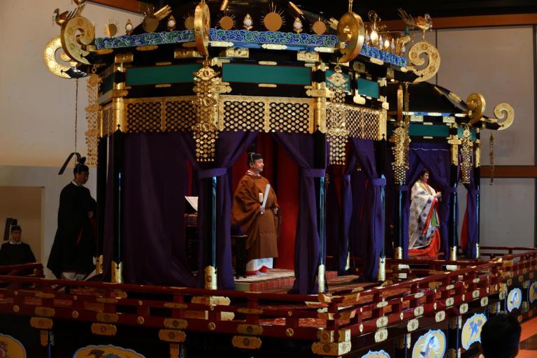 Ιαπωνία: Νέος Αυτοκράτορας ο Ναρουχίτο – Η εντυπωσιακή ενθρόνιση – video