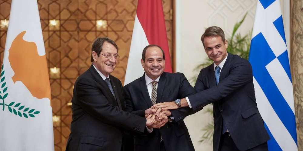 Καταδίκη της τουρκικής προκλητικότητας στην τριμερή Ελλάδας, Αιγύπτου και Κύπρου στο Κάιρο