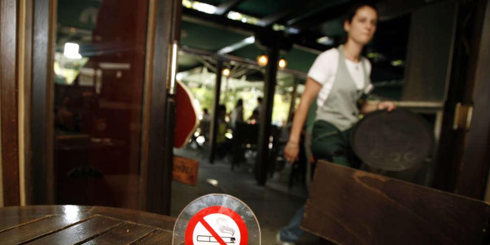 «Αντάρτικο» κατά του αντικαπνιστικού νόμου – Για προσφυγή στο ΣτΕ μιλούν οι καταστηματάρχες