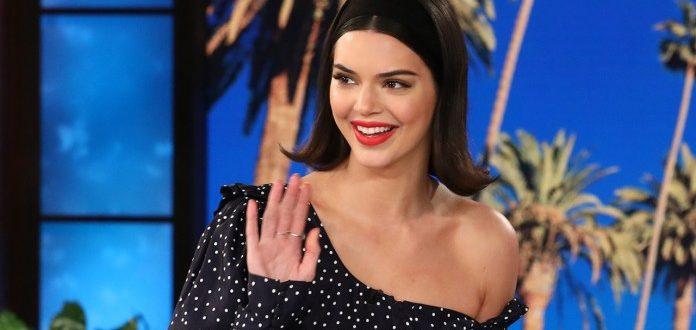 Η απίστευτη διαφήμιση της Kendall Jenner για πολωνική εταιρεία ρούχων