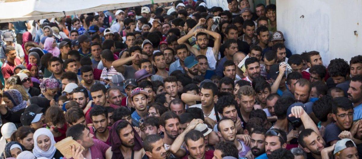 Νύχτα τους μεταφέρουν για να αιφνιδιάσουν τους κατοίκους – Λάρισα: Σε χωριό 15 κατοίκων έφεραν 60 αλλοδαπούς!