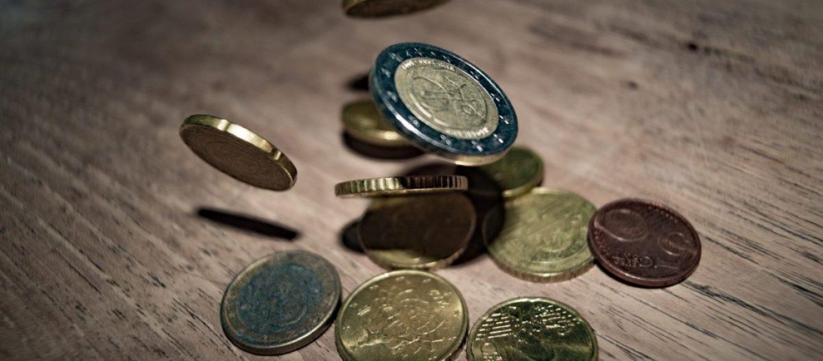 Μειώθηκαν κατά 2,6 δισ. ευρώ οι νέες ληξιπρόθεσμες οφειλές των νοικοκυριών