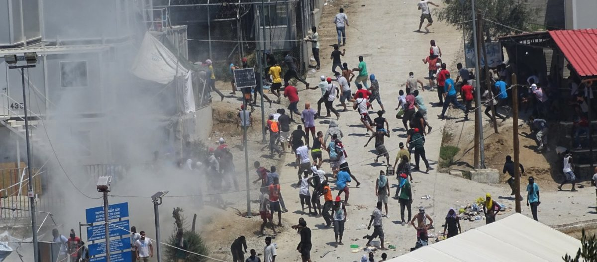 Σάμος: Το νησί «έρμαιο» των αλλοδαπών – Έχουν κατέβει στους δρόμους (βίντεο)