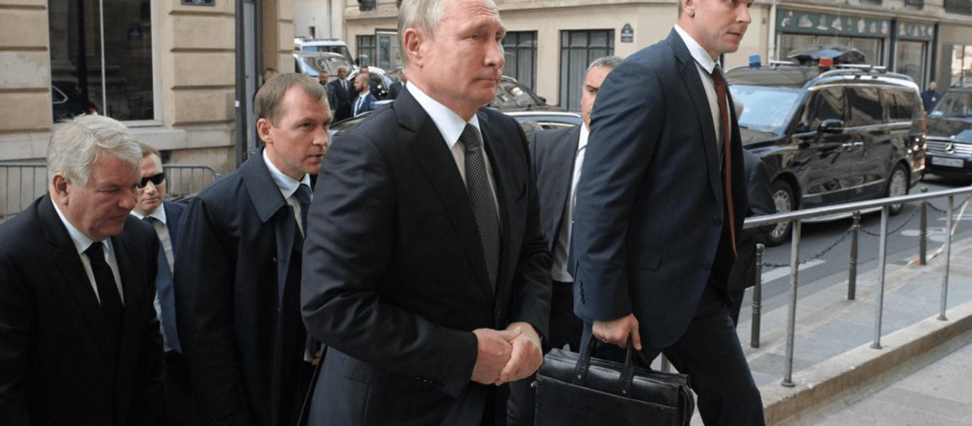 «Είδωλο» ο Β.Πούτιν: Οι Γάλλοι αστυνομικοί στην κηδεία του Ζακ Σιράκ ζήτησαν να φωτογραφηθούν μαζί του! (βίντεο)
