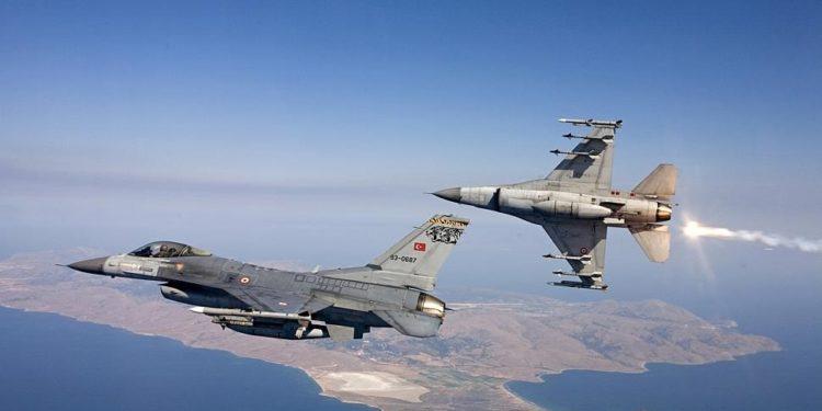 Μπαράζ παραβιάσεων και παραβάσεων στο Αιγαίο από τουρκικά μαχητικά