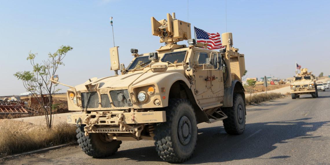 Συρία: Οι Κούρδοι «πήραν με τις πέτρες» τους Αμερικανούς που αποσύρονται [vid]