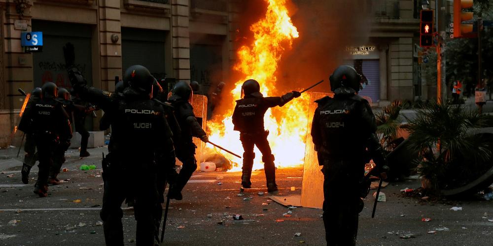 Βαρκελώνη: 500.000 άνθρωποι στον δρόμο – Επεισόδια με την Αστυνομία
