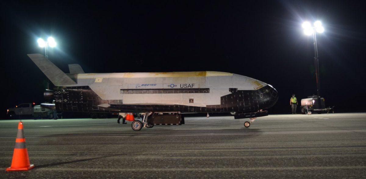 Διαστημοπλάνο των ΗΠΑ επέστρεψε από μυστική αποστολή – ρεκόρ 780 ημερών
