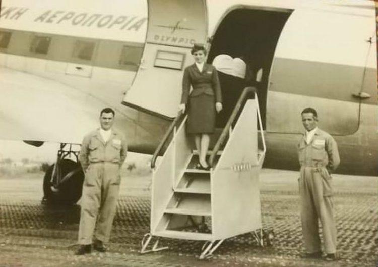 """Αεροσυνοδός της Ολυμπιακής θυμάται τα ταξίδια στην Κρήτη, τον Ωνάση και τα """"χλιδάτα"""" δώρα"""