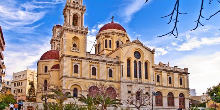 Άγιος Μηνάς, ο ναός που χτιζόταν 33 χρόνια στην καρδιά του Ηρακλείου