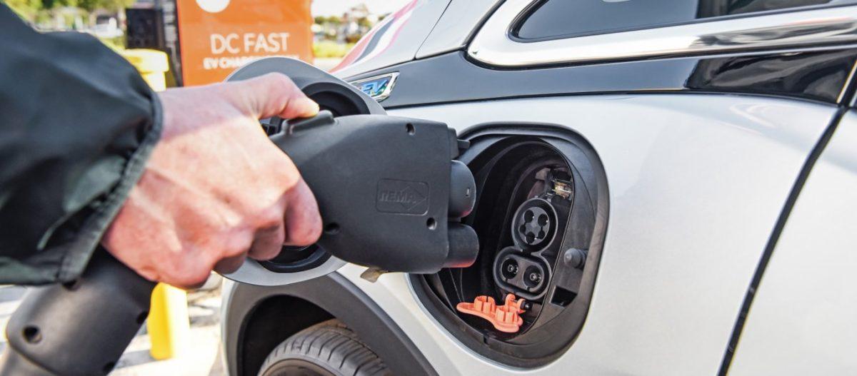 Αλλάζουν τα πάντα στην αγορά αυτοκινήτων με το νέο ν/σ: Προβλέπεται ραγδαία αύξηση στην πώληση ηλεκτροκίνητων οχημάτων
