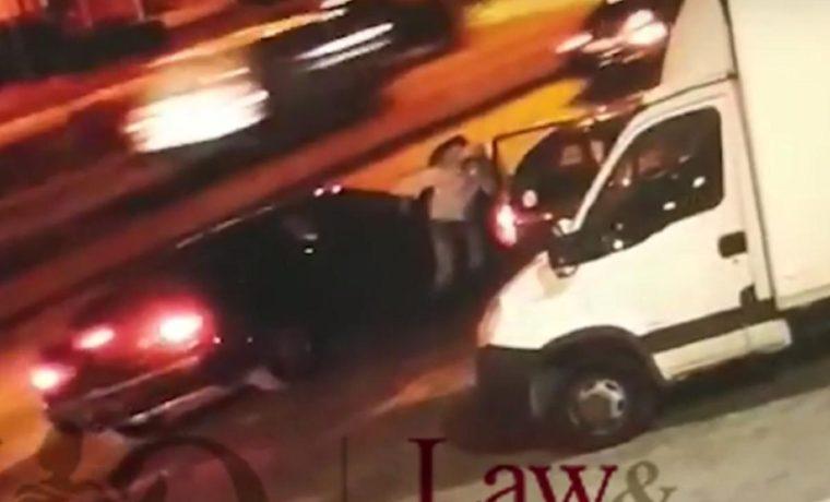 Βίντεο ντοκουμέντο. Έκλεψαν τσάντα με 4.000 ευρώ από γυναίκα επιχειρηματία στη Λεωφόρο Αθηνών