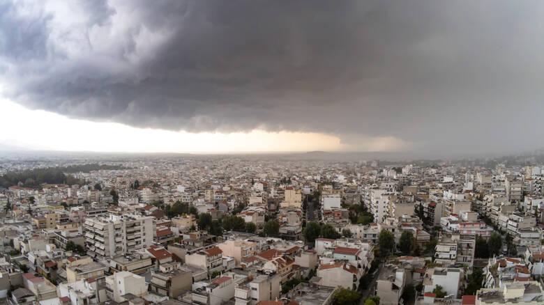 Καιρός: Νέα επιδείνωση την Τρίτη – Βροχές, καταιγίδες και χαλάζι
