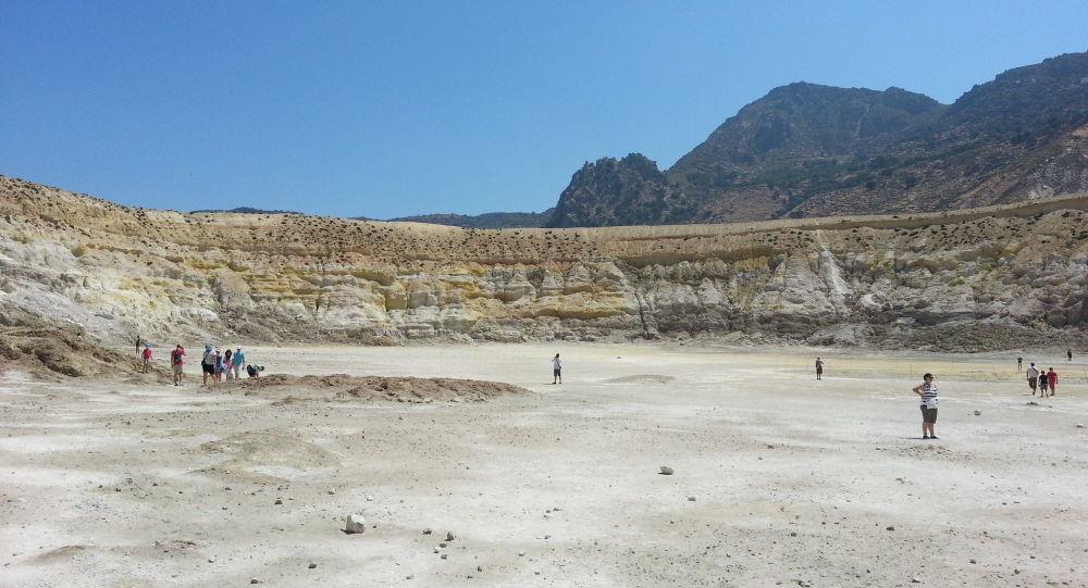 Βρετανός τουρίστας έπαθε σοβαρά εγκαύματα στο ηφαίστειο της Νισύρου – Φωτογραφίες