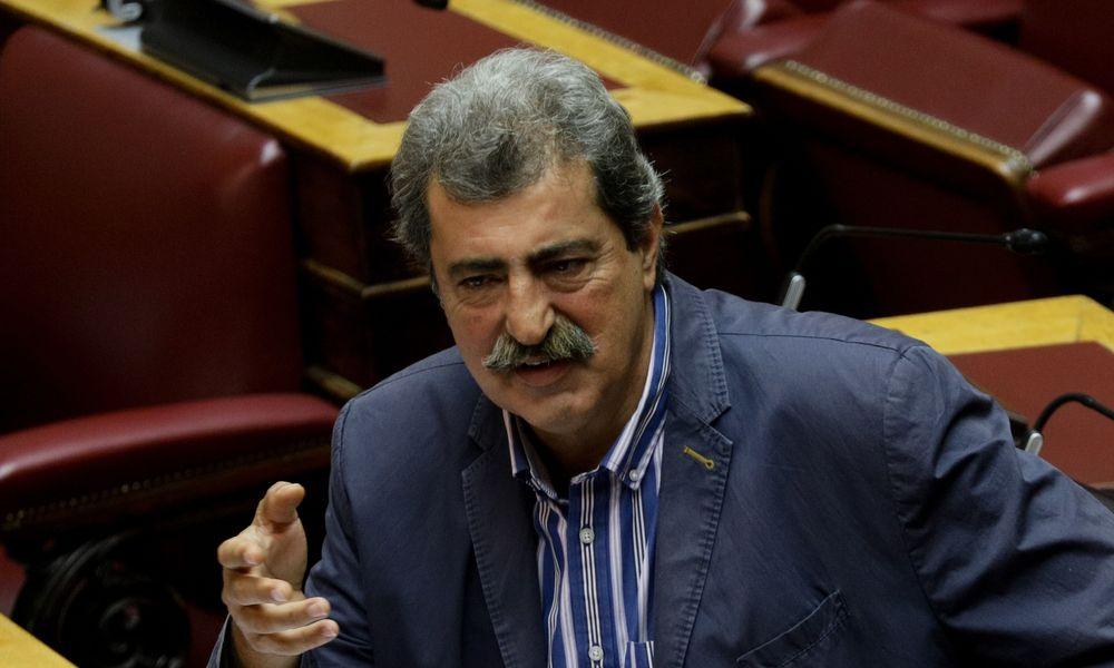 Πολάκης: Χουντικής έμπνευσης η εισβολή των ΜΑΤ στην ΑΣΟΕΕ