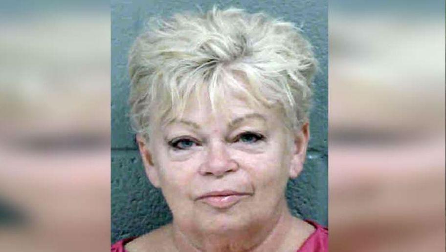 Δασκάλα και μαθητής: 63χρονη που είχε σχέση με ανήλικο, σκότωσε τον άντρας της και αυτοκτόνησε