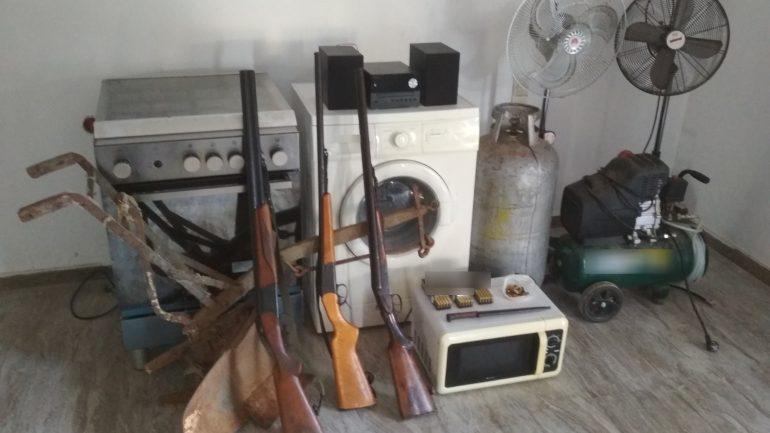 Έκλεβε από οικιακές συσκευές μέχρι ... εργαλεία και όπλα!