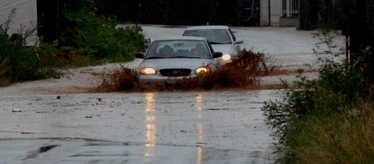 Σφοδρή κακοκαιρία από αύριο: «Έρχονται πλημμύρες και χαλαζοπτώσεις» λένε οι μετεωρολόγοι