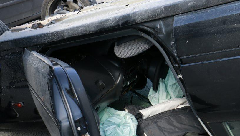 Ανατροπή οχήματος με εγκλωβισμό 2 ατόμων