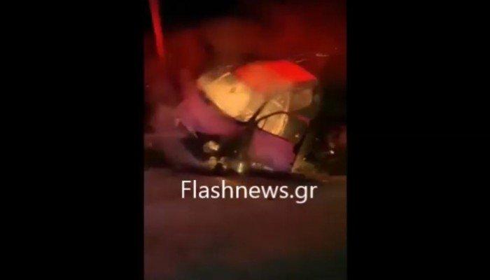 Βίντεο: Τον παρακαλά να απομακρυνθεί από το φλεγόμενο όχημα στα Χανιά αλλά δεν ακούει!