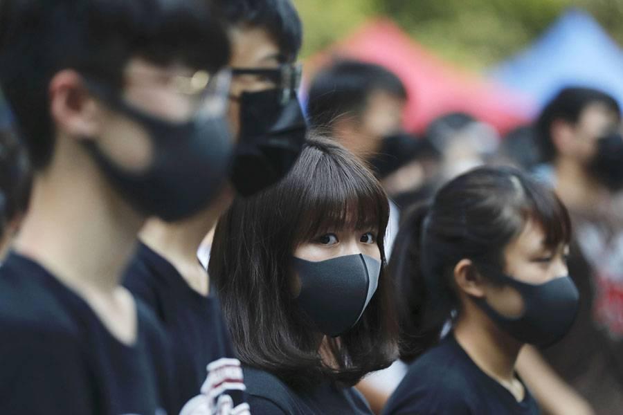 Νέα κόντρα Κίνας – Βρετανίας για την επίθεση σε υπουργό του Χονγκ Κονγκ