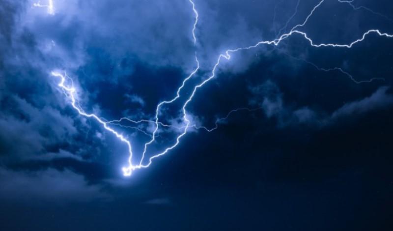 Χαλάει ο καιρός – Έρχονται ισχυρές βροχές και καταιγίδες