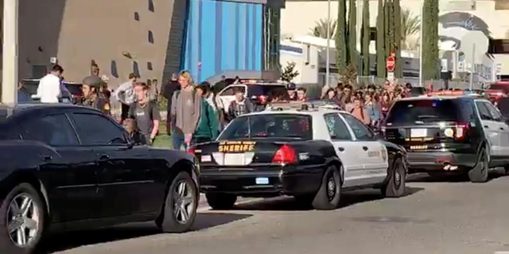 Πυροβολισμοί στην Καλιφόρνια: 16χρονος ο δράστης της επίθεσης σε Λύκειο- Δύο μαθητές νεκροί