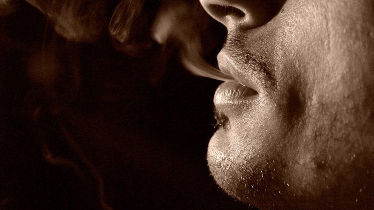 Που δημιουργείται το πρώτο καφενείο μόνο για καπνιστές;