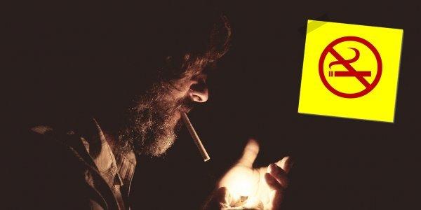 Αντικαπνιστικός νόμος: Ιδιοκτήτες και καπνιστές ψάχνουν… παράθυρα (vid)
