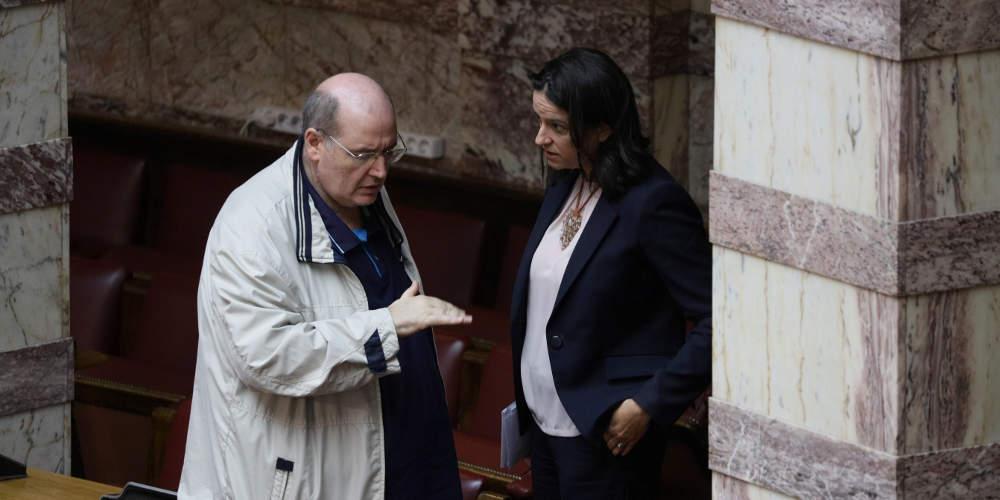 Άγρια κόντρα Κεραμέως-Φίλη στη Βουλή για τα χθεσινά γεγονότα στην ΑΣΟΕΕ
