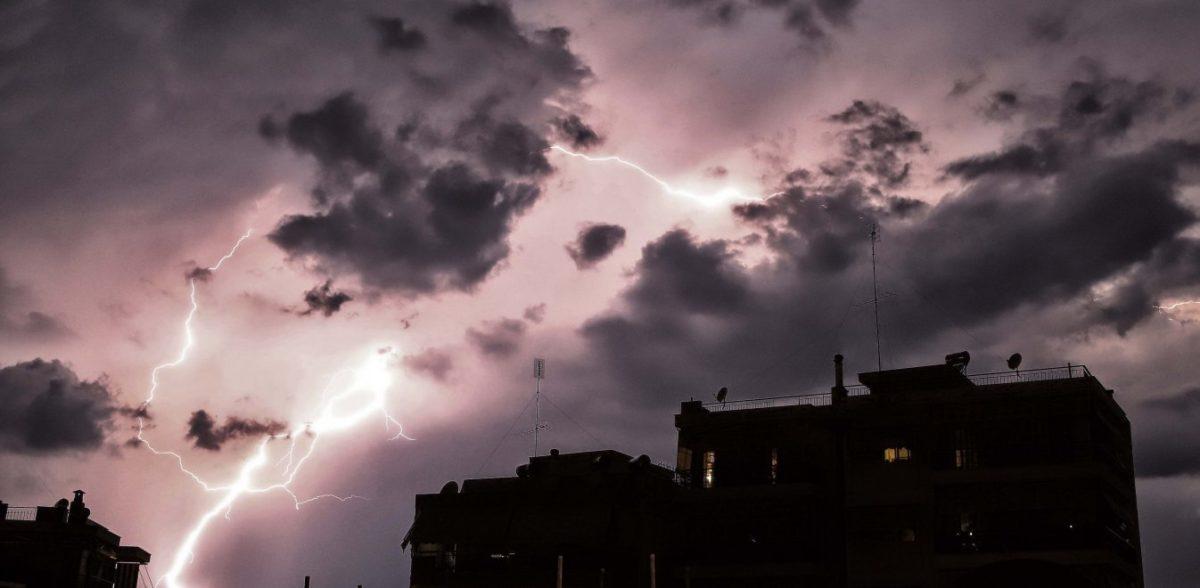 Καιρός: Βροχές και καταιγίδες – Σε ισχύ το έκτακτο δελτίο επιδείνωσης