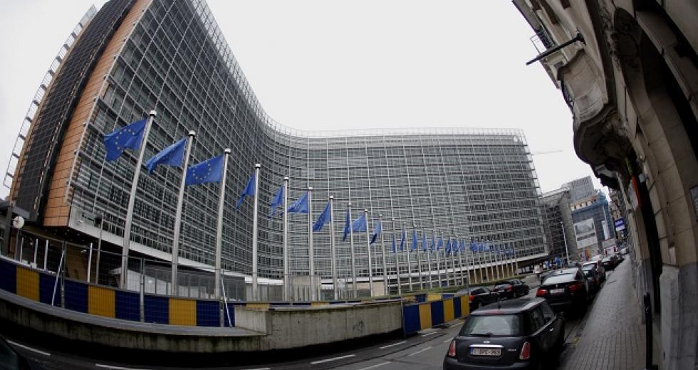 «Ντου» της Επιτροπής Ανταγωνισμού στις τράπεζες για τις χρεώσεις