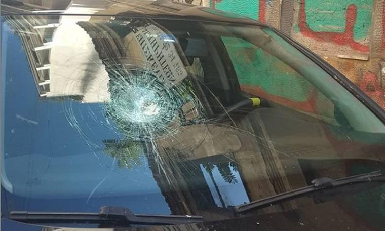 Θύμα επίθεσης Ελληνίδα ηθοποιός! To post και η ζημιά στο αυτοκίνητό της (photos)