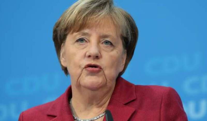 Μέρκελ: Ετσι πήρα την απόφαση για την Ελλάδα και το ευρώ – «Επρεπε να σκεφτώ τι θα κάνω»