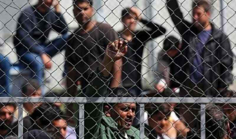 Μόνο με άδεια εξόδου θα βγαίνουν οι μετανάστες από τα κλειστά κέντρα